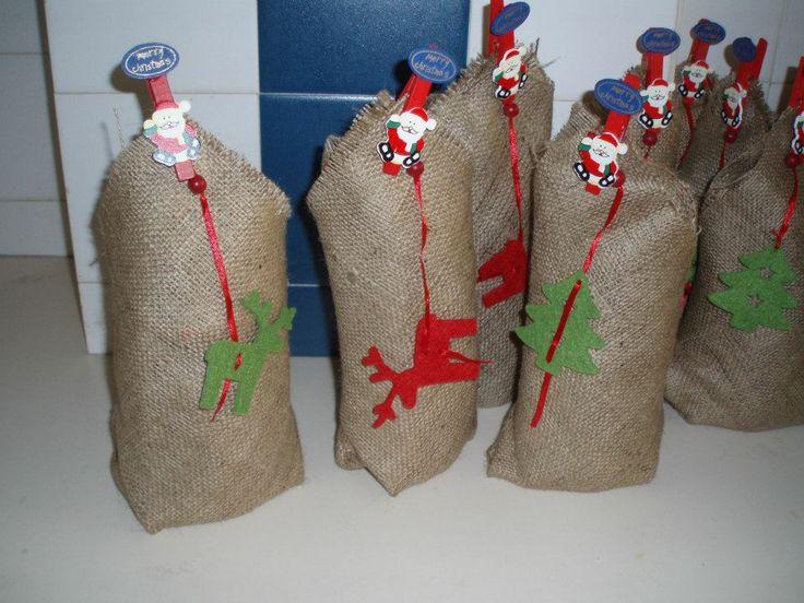 γιορτινή διακόσμηση για βαζάκια με λιχουδιές