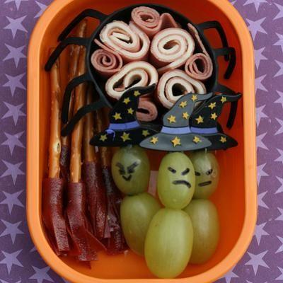 Halloween lunch box bento.: Bento Boxes, Kids Lunches, Schools Lunches, Witch, Lunches Boxes, Lunches Ideas, Halloween Snacks, Halloween Lunches, Lunchbox
