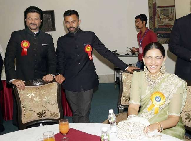 When Sonam Kapoor, who has reached the National Award with Papa and Boyfriend. Sonam Kapoor and her boyfriend will marry in the last year of this year.
