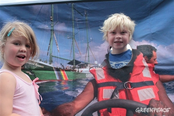 Kids at the Rainbow Warrior open day on Sunday in Auckland http://act.gp/ZZZ28P