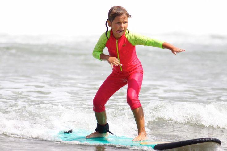 Если ваш ребенок любит спорт, то он будет без ума от идеи научиться сёрфингу. А остров Бали идеально подходит для этого. Почему? Потому что на главном сёрф-споте в Куте самые комфортные условия для обучения ребёнка: песчаное дно, неглубокая вода, мягкие волны, отсутствует фактор сезонности, то есть хорошая погода и волны здесь есть всегда. В нашей школе к маленьким сёрферам мы относимся с особой трепетностью и любовью, поэтому вы можете быть спокойны за своих детей, оставляя их с нашими…