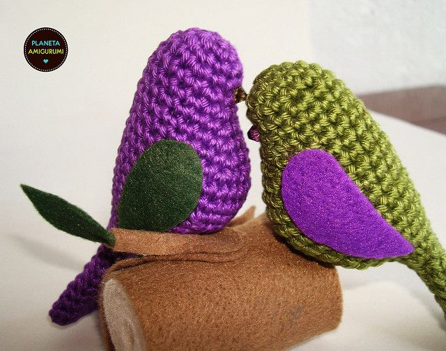 love birds ♥ #crochet...I REALLY wish I could learn to crochet. I'm sorry, Grandma, I just don't have the patience!!