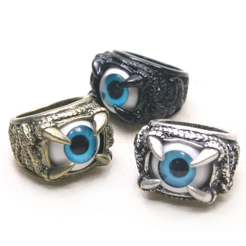 SK911 Blue eyes on a dragon's claw ring   >>Link   http://stores.ebay.com/nichemall