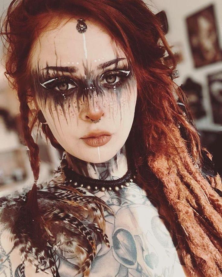 Oh mein Gott, ist sie nicht atemberaubend? Ich liebe das Make-up von Vani.wnka Perfekt für LAR … #Tattoos #Ale