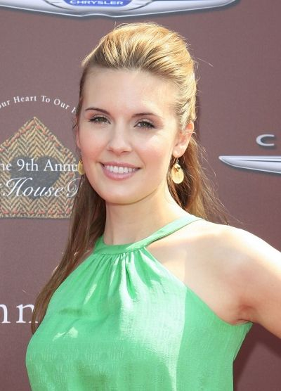 Maggie Grace hairstyles: Up vs. down
