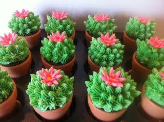 Cactus Cupcakes - Cinco de Mayo.
