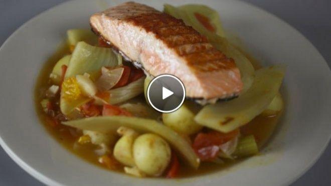 Venkel stoofschotel met gegrilde zalm - recept | 24Kitchen