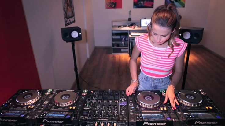 Juicy M & 4 CDJs - NEW 2014 My new friend.. She is a Beast!!!
