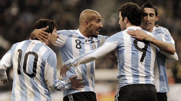 argentina soccer team players argentina soccer team carlos tevez ...