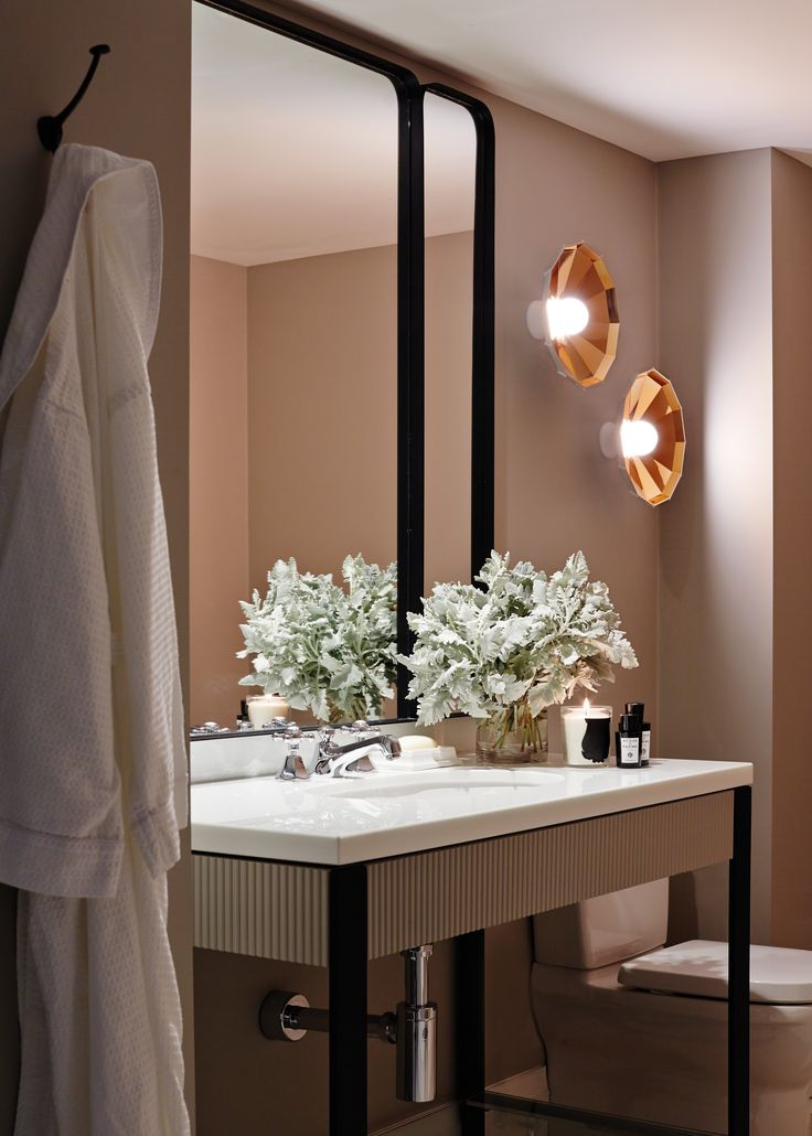 bathroom design at the mayfair hotel adelaide bates smart - Hotel Bathroom Design