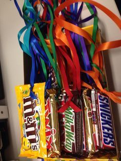 Candy Bar Medals~ Cute and easy idea for promoting good behavior as long as these guys won't melt in your classroom! Photo only