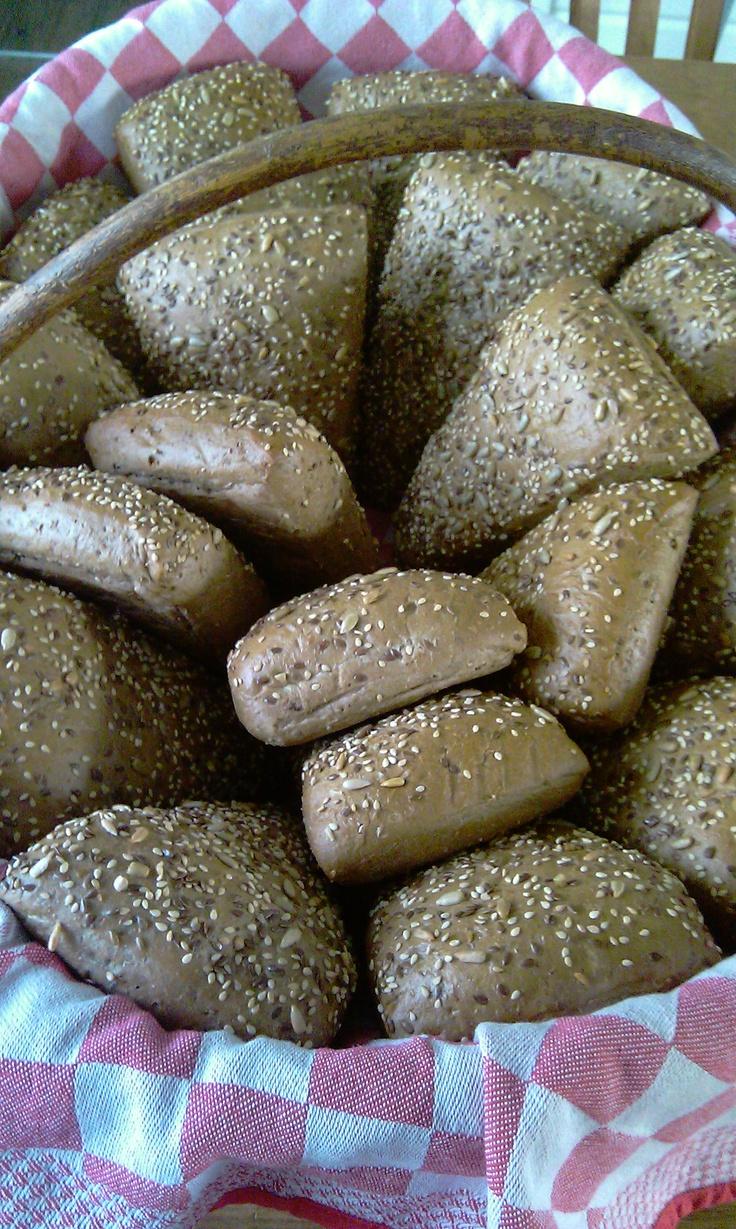 ' s morgens lekkere verse warme broodjes!