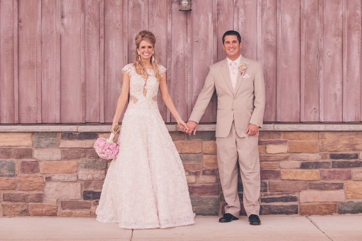 Rustic Wedding In Barn In Indiana