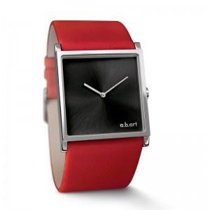 Dit fraaie a.b.art horloge is uitgevoerd in een rode kalfsleren band met een vierkante rvs kast en een hele mooie zwarte wijzerplaat. Natuurlijk verkrijgbaar bij Edelsmid Ton van den Hout, www.tonvandenhout.nl