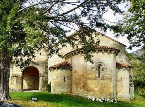 monasterio de san pedro de villanueva,cangas de onis Asturias