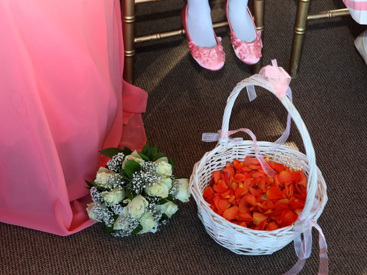 Wedding Décor in Shades of Corals, white and silver greys..