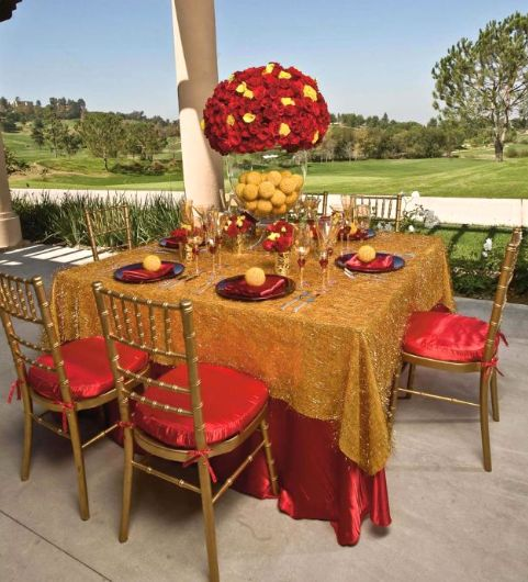 Luv the gold chairs...and you can do gold with any color -- They sell these glasses at Pier One