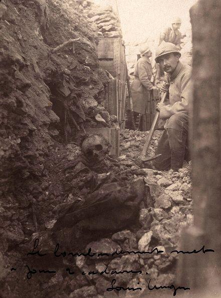 World War I. In a French trench (Meuse, France). In December 1915. Première Guerre mondiale dans une tranchée française (Meuse, France). En Décembre de 1915.