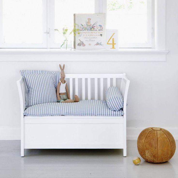Oliver Furniture Truhenbank