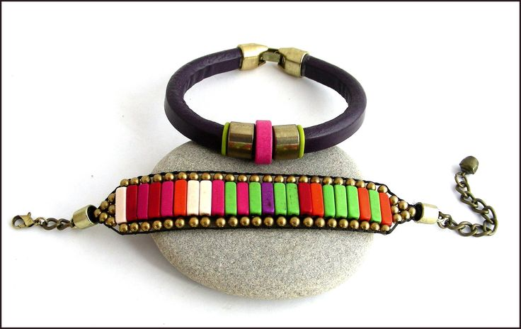 Bracelet-Manchette multicolore - Cuir violet, perles Magnésite , céramique : Bracelet par ladyplazza