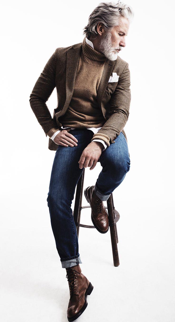 Aiden Shaw 高領毛衣內搭襯衫時,可以試著把襯衫領立起來