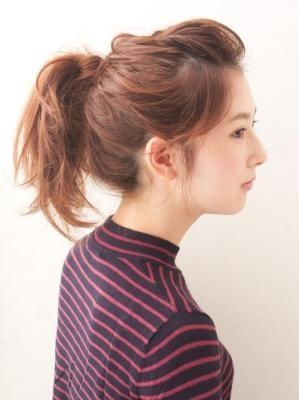 前髪をねじってポンパドールに☆ ふわふわポニーテールの一覧。