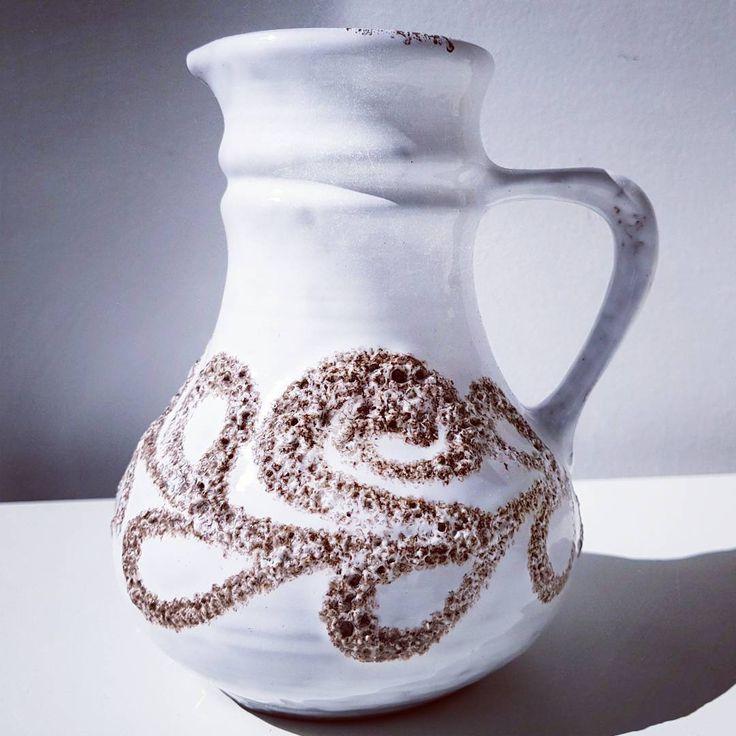 White Strehla   #white #strehla #east #eastgermany #german #germany #wgp #westgermanpottery #pottery #vase #flowers #midcentury #modern #vintage #retro #retrostyle #flower #glaze #design #art