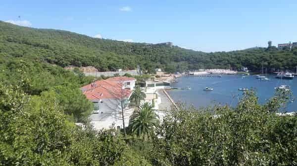 Adalar'da günlük kiralık evler polis takibinde