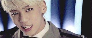 Jonghyun hermoso :3