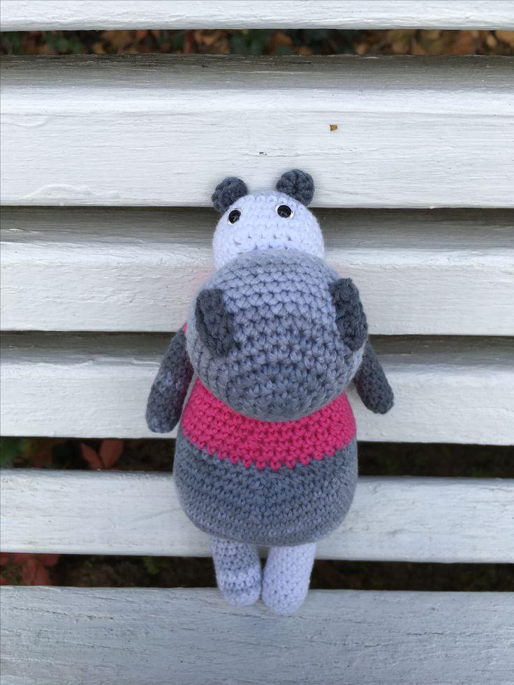 Hrošia slečna....#crochet #hippo #crochettoy