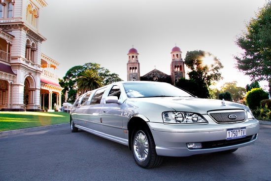 Silver limo from Holdfast Bay Limos   http://holdfastbaylimos.com.au/photo-gallery/
