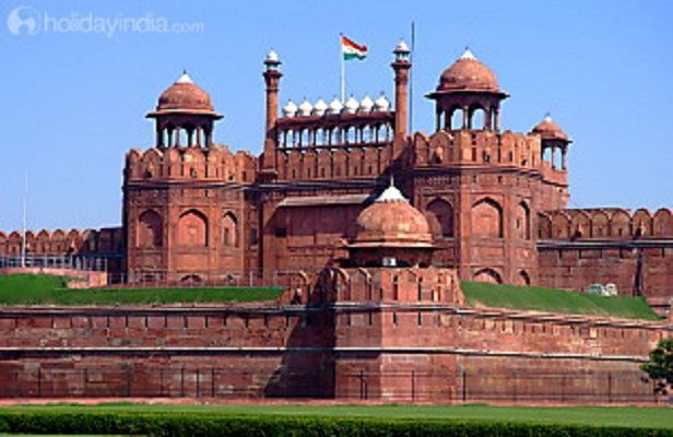 Red Fort - Delhi-Book online golden triangle tour packages at holidayindia.com for 6 night 7 days with strating USD 711 and provide unmatched offer at thid portal.