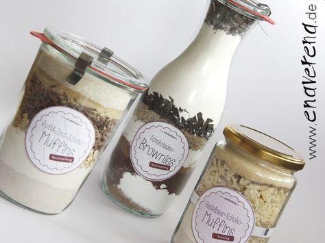 Die geschichteten Backmischungen im Glas sind einfach eine prima Geschenkidee, finde ich! Darum findet ihr auf meinem Blog dazu jetzt drei verschiedene Rezepte für Muffins und Brownies und als kleines Extra noch die passenden Etiketten zum Ausdrucken dazu: http://enaverena.de/backmischung-im-glas/. Viel … mehr