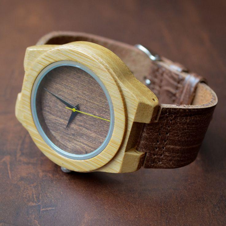 Ainda da tempo de ganhar um presente de nata da Basic Wood. Marque no post quem vai te dar esse lindo relógio. #relogiodemadeira #madeira #oculosdemadeira #eyewear #sunglasses #wood #design #conceito #basicwood #oculosdesol #basicwood #bauru #sp #sampa #sãopaulo #moda #lifestyle www.basicwood.com.br Todos os produtos em até 18x Mande um Alô: (14) 98112-8421 Enviamos para todo Brasil.