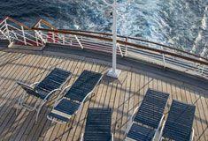 Solarium de descanso con vista al mar  Crucero Monarch de Pullmantur