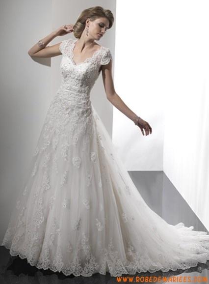Robe A-ligne avec manches courtes en satin et dentelle ornée de broderies robe de mariée dentelle