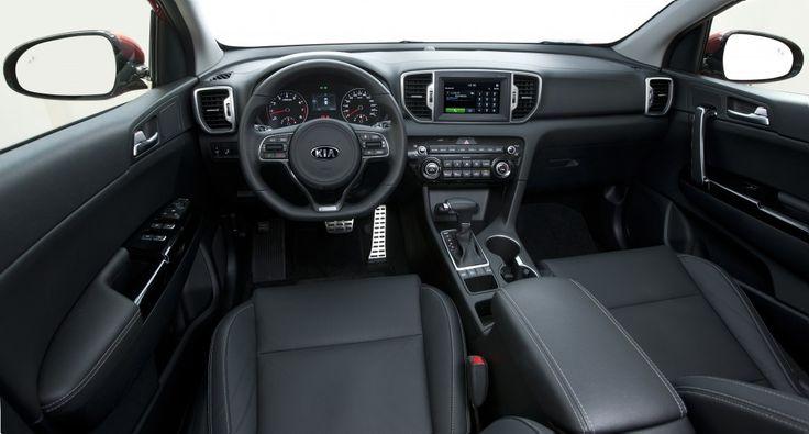 Kia Sportage 2017 Quarta geração do @kiamotorsbrasil Sportage é oferecido com o mesmo 2.0 flex de 167 cv e com etanol e 198 Nm de torque com etanol e câmbio automático de seis marchas. De série oferece ar-condicionado direção elétrica airbag duplo freios ABS com EBD trio elétrico piloto automático câmera de ré sensor de estacionamento traseiro faróis com acendimento automático luzes de neblina e rodas de liga leve aro 17. São duas versões: LX de R$ 109.900 e a topo de linha EX por R$…