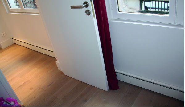 Installation de plinthes chauffages : conseils et tarifs : http://www.maisonentravaux.fr/electricite/installation-electrique/radiateur-plinthe-prix-plinthes-chauffantes/
