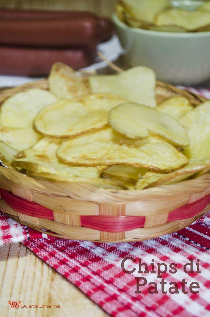 Chips di patate sono delle croccanti e deliziose sfoglie di patatine fritte…