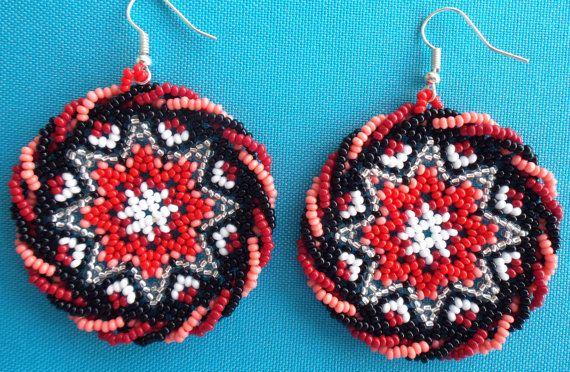 https://www.pinterest.com/diliasabugara/retes/ Mexican Huichol Beaded Star earrings by Aramara on Etsy