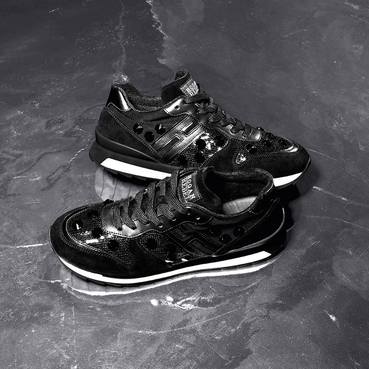 #HOGANREBEL R261 black sneakers with shiny details from the Women's Fall-Winter 2015/16 Collection. #HOGANClub #HOGANClubbingAt