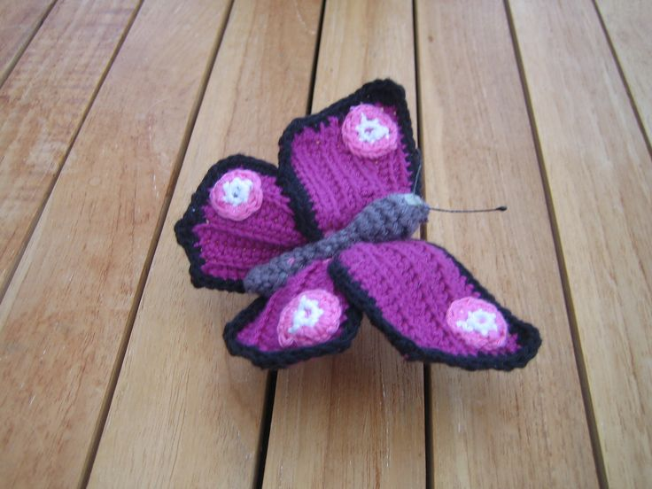 hæklet sommerfugl