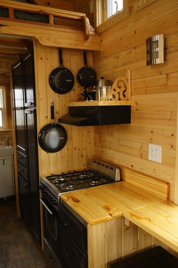 Aarons Craftsman Tiny Home on Wheels using Modified Dan Louche Plans 006
