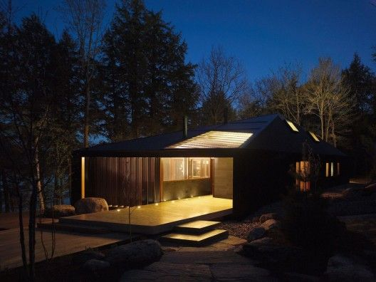 Clear Lake Cottage - MacLennan Jaunkalns Miller Architects: shapely roof