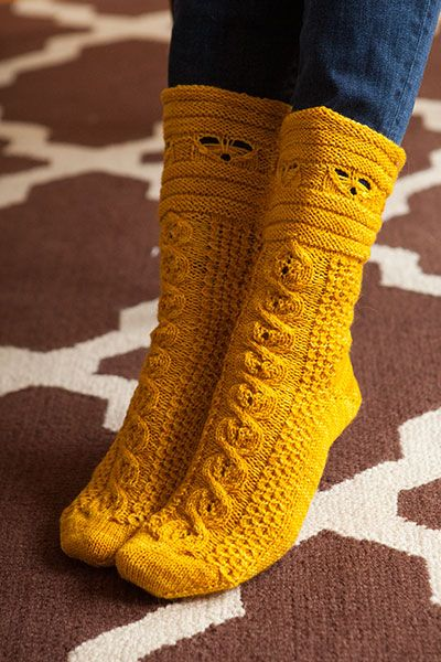 site with lots of free patterns: Busy Bees Socks Pattern
