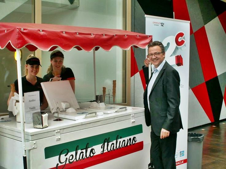 Staff and students were treated to Italian ice cream to cool down after the excitement around Oracle Database 12c — at @Oracle Corporation Nederlands.  #oracle #Holland #icecream #database #12c #training #education #events