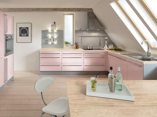 Cuisine en couleurs : découvrez 50 cuisines colorées en rouge, bleu, jaune, des meubles à la crédence en passant par les murs !