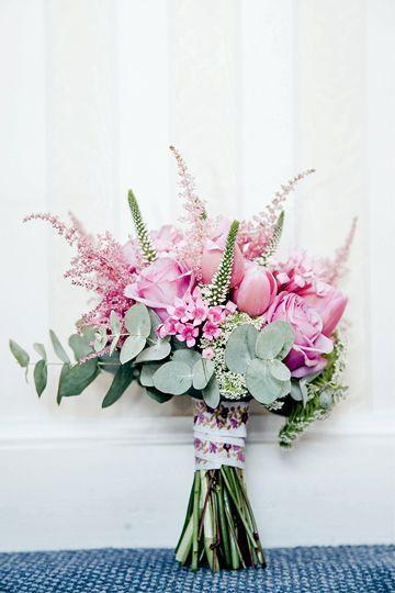 Ramo de novia en tonos rosados
