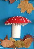activité d'automne autour du champignon. |     Un des plaisirs de l'automne c'est d'aller se promener en forêt, sentir observer et ...
