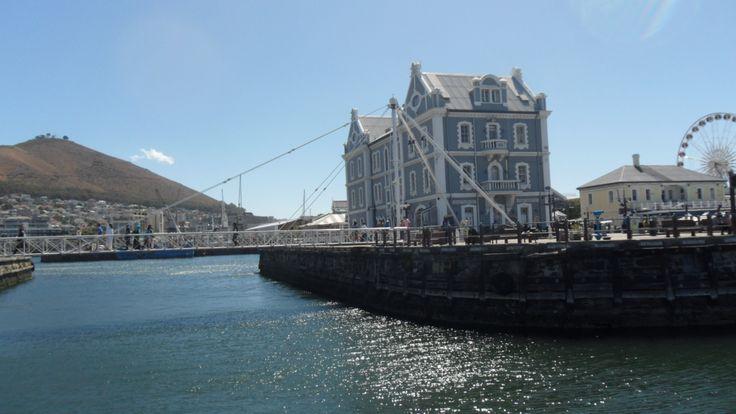 V&A Waterfront: architecure!